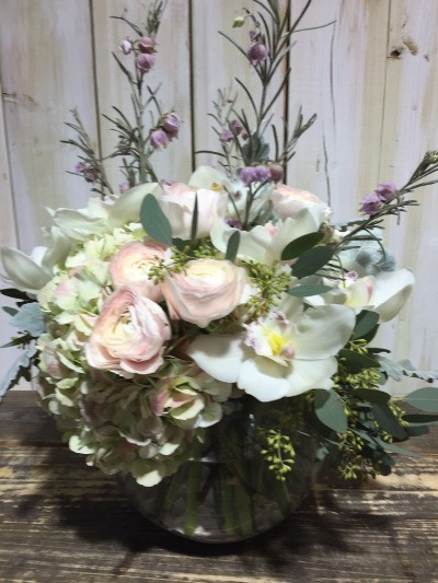 Blossom-Boutique---Arrangement-of-Month-(Easter-2015)-02